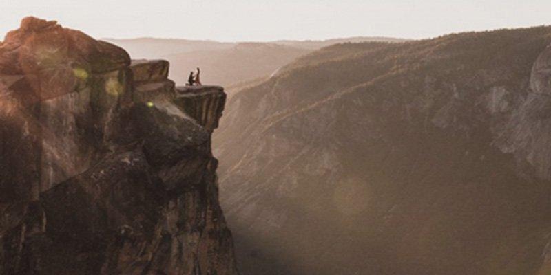 ¿Sabes por qué buscan al novio que sale en esta increíble foto de propuesta matrimonial?