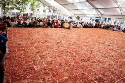 Este es el plato de jamón cortado a mano más grande del mundo