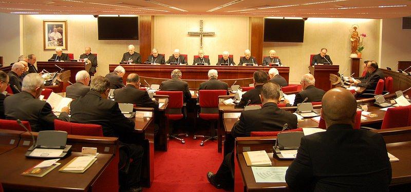 La 'Comisión Antipederastia' parte en dos a la Conferencia Episcopal