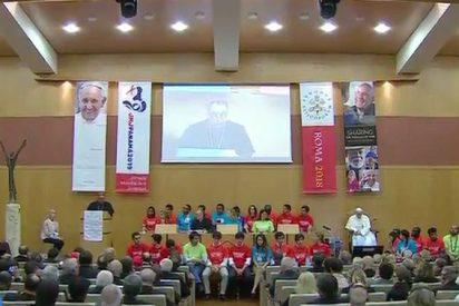 """El Papa presenta el libro 'La sabiduría de los ancianos': """"Cargad con sus sueños y llevadlos adelante"""""""