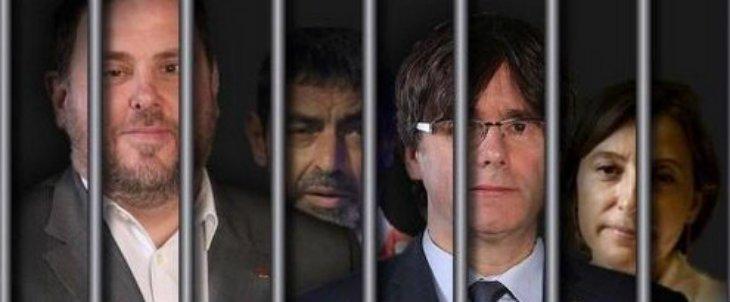 El Tribunal Supremo sienta en el banquillo al golpista Junqueras y a otros 17 líderes independentistas