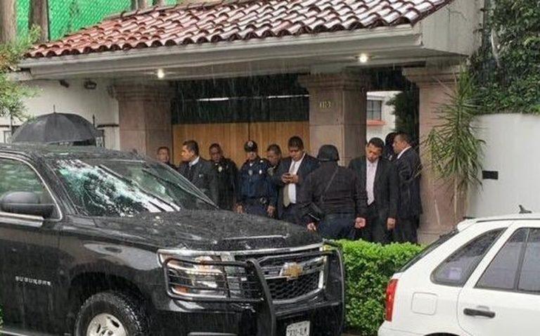 México: Un policía muere durante un tiroteo en la casa del cardenal Rivera