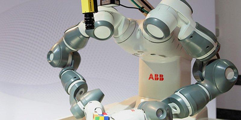 Robots ya construyen robots