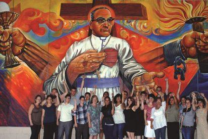 El Salvador se echó a la calle para celebrar la canonización de Romero