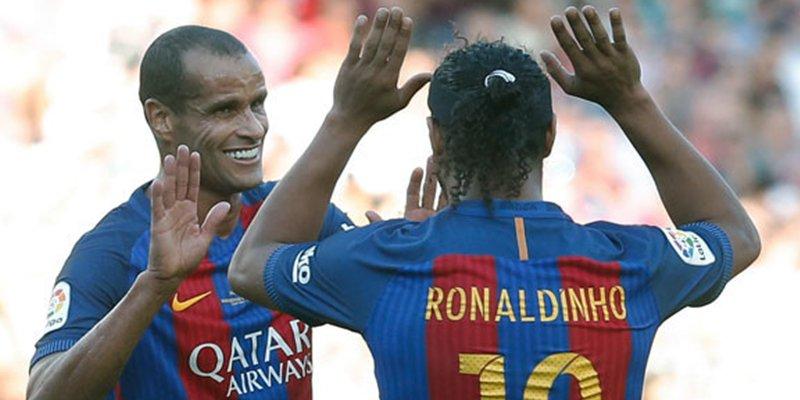 Ronaldinho y Rivaldo apoyan al ultraderechista Bolsonaro y las redes estallan en su contra
