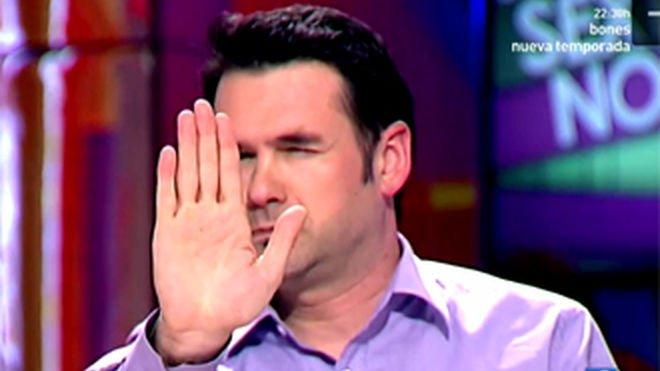 El contundente zasca que le calzan a Iñaki López por ir de sobrado en Twitter