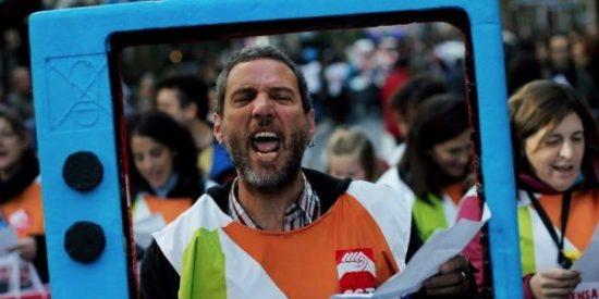 Barra libre al despilfarro: los madrileños pagan a 22 sindicalistas más de los que corresponderían en Telemadrid