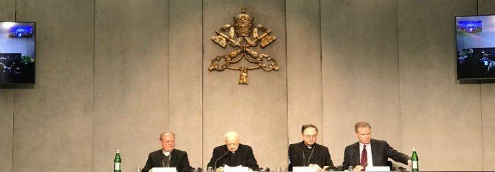 """Baldisseri: """"La Iglesia no tiene miedo de afrontar los desafíos que plantean los jóvenes"""""""