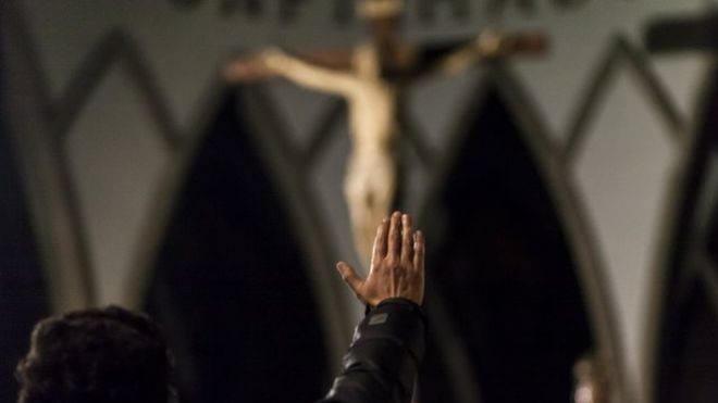 Todas las diócesis de Texas publicarán los nombres de curas acusados de abusos