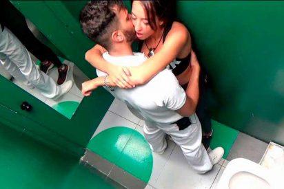 Suso intenta 'zumbarse' a Aurah en el baño de 'GH VIP' y les corta el rollo Miriam