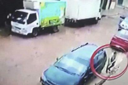 Así mató un policía a su compañero cuando ambos se enfrentaban a tiros con ladrones que asaltaron un banco