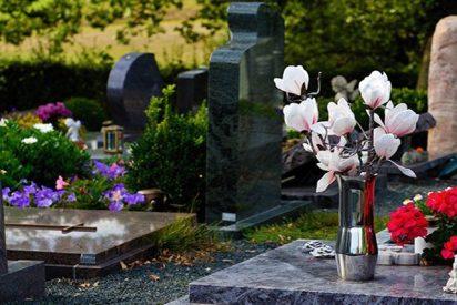 Una familia descubre que estuvo 14 años visitando una tumba equivocada