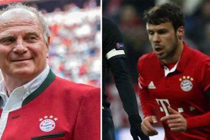 Uli Hoeness, presidente del Bayern, atiza con dureza al español Juan Bernat y de paso a Mesut Özil
