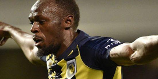 Usain Bolt marca sus primeros dos goles como futbolista