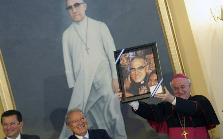 """Monseñor Paglia: """"Sin Francisco sería imposible pensar que Romero vaya a ser santo"""""""
