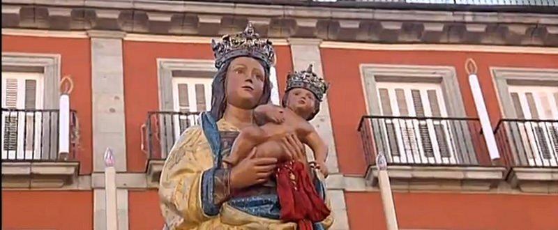 """Cardenal Osoro: """"La Virgen de la Almudena nos pide una vez más que rompamos murallas"""""""
