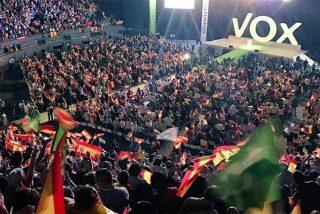 Los 'españolistas' de Vox revientan Vistalegre con más de 10.000 seguidores
