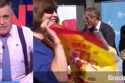 Wyoming, el mismo que callaba ante las exaltación patriótica del nacionalismo, censura a los ciudadanos que colgarán en su balcón la bandera española