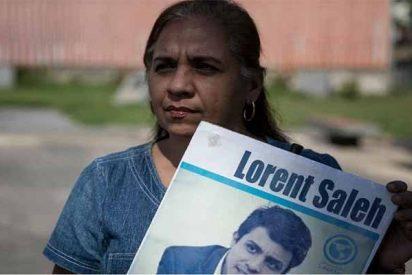 Venezuela: Lorent Saleh abraza a su madre después del destierro chavista y 4 años de cárcel
