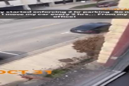 (VIDEO):Así es como el dueño de un Tesla evita ser multado en el aparcamiento