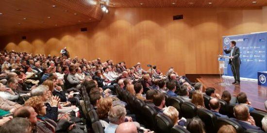 Mañueco manifiesta su defensa al sector del automóvil frente al radicalismo del PSOE y del Gobierno de Pedro Sánchez