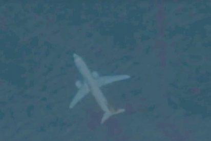 Aparece en Google Earth un extraño avión 'sumergido' en la costa del Reino Unido