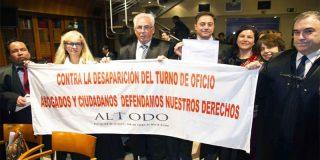 El colegio de abogados de Madrid carga contra Carmena porque les hace la puñeta con Madrid Central