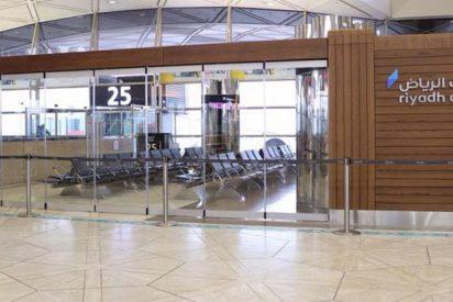 La lluvia rompe el techo del mayor aeropuerto de Arabia Saudita