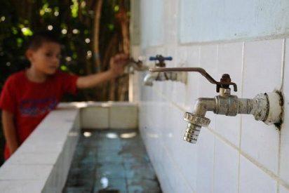 """El Papa denuncia: """"¡Sobran armas pero falta agua!"""""""