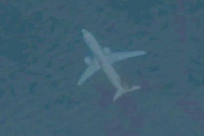 """Descubren en Google Earth este """"extraño"""" avión 'sumergido' en la costa del Reino Unido"""