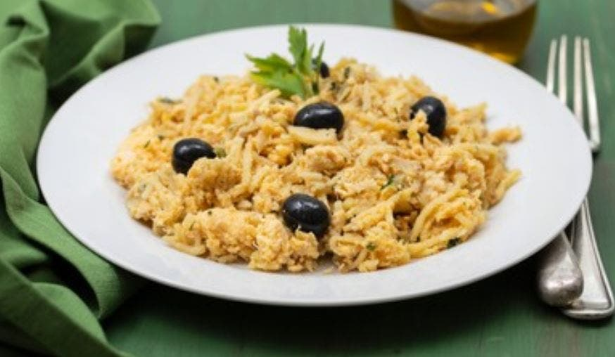 Bacalao Dorado o Bacalhau à Brás, receta portuguesa 👌