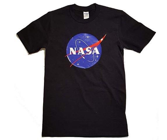 Camiseta con el logo de la NASA