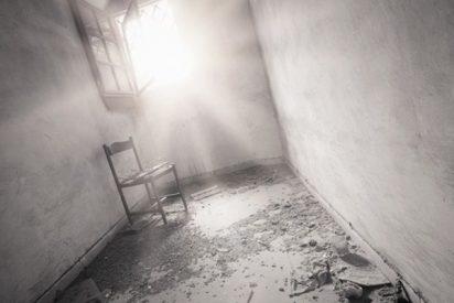 ¡Terrible!: Limpiando la casa de su madre fallecida, descubren la momia de un hermano desconocido