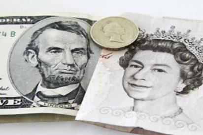 El dólar, al alza ante los temores comerciales; se hunde la libra