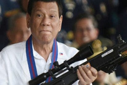 """Duterte ofrece ahora premios y vacaciones por asesinar a los """"policías ninja"""""""