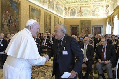 """El Papa denuncia """"la falta de voluntad para acabar con la carrera armamentística"""""""
