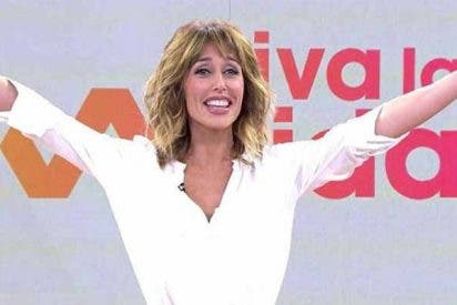 Las redes sociales reciben a 'tortazo limpio' a Emma García en su estreno con 'Viva la vida'