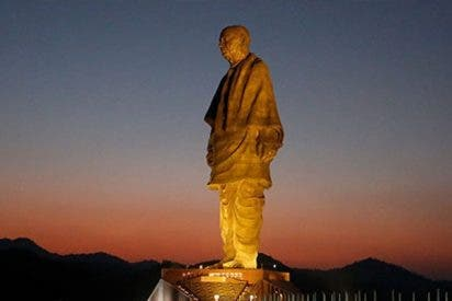 La estatua más grande del mundo genera indignación en el Reino Unido