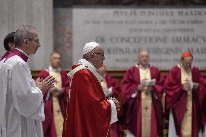 """Francisco, a los cardenales: """"El secreto de la vida es vivir para servir"""""""