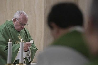 """Francisco: """"La Iglesia crece en el silencio, sin dar espectáculo"""""""