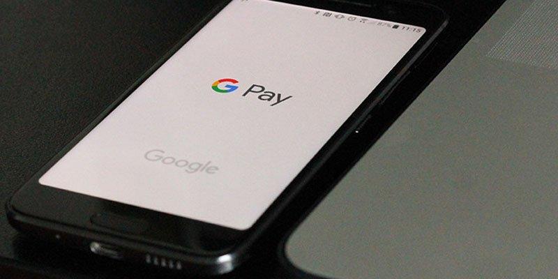 Google Play borra 9 peligrosas apps que robaban las contraseñas de Facebook