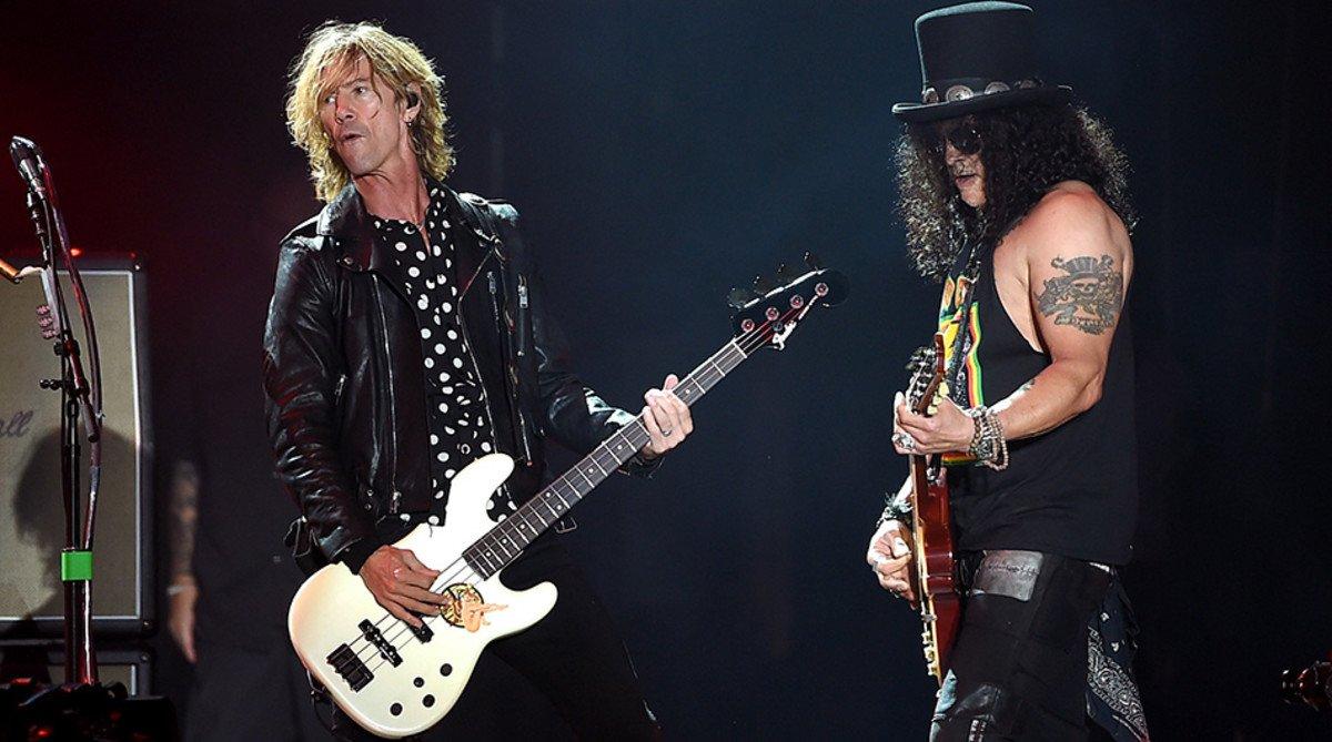 Guns N' Roses se inclina ante Queen: la banda se escapa a un cine VIP para ver la película 'Bohemian Rhapsody'