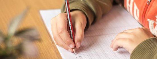 La emotiva respuesta de un cartero al niño de 7 años que escribió una carta a su fallecido padre