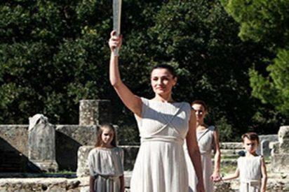 Turquía expulsa a su embajadora en Uganda por ir disfrazada de Helena de Troya en acto oficial