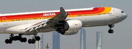 El personal de tierra de Iberia en Barajas, en plena operación retorno, se va de huelga