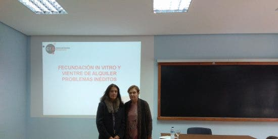 Conferencia sobre la maternidad subrogada en Palencia