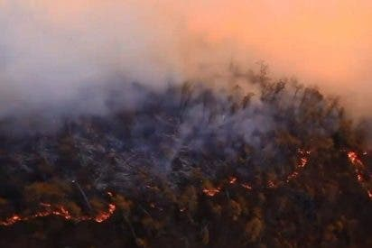 El Pentágono muestra imágenes inéditas desde un Black Hawk de los mortales incendios forestales de California