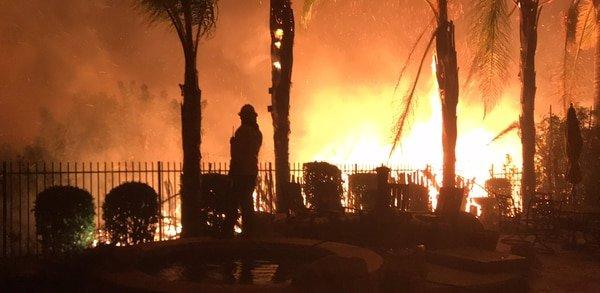 La madrastra de las Kardashian pierde su mansión en el incendio de California