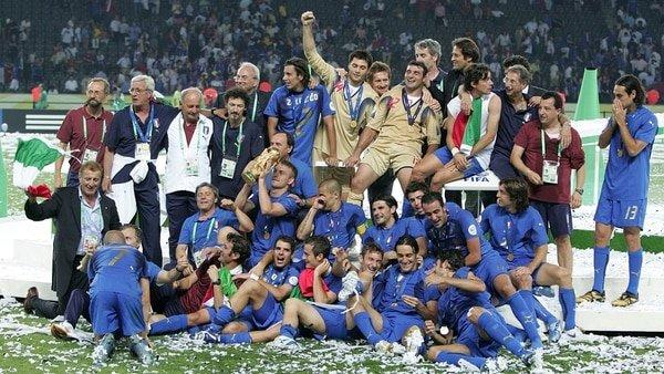 Futbolista italiano que ganó el Mundial 2006, a prisión por vínculos con la mafia