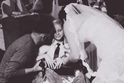El triste último deseo de un niño enfermo de cáncer: acompañar a su mamá al altar